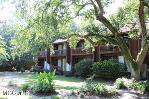 222 Lakeside Villa, C