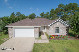 12434 Crystal Well Ct, Gulfport, MS 39503