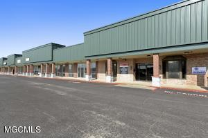 3502 Main St, Moss Point, MS 39563