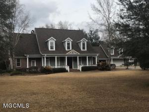 12190 Lake Forest Dr, Gulfport, MS 39503
