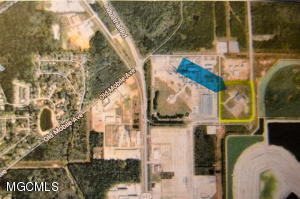 2900 Colmer Dr, Moss Point, MS 39562