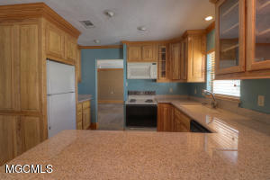 925 E Scenic Dr Pass Christian MS 39571