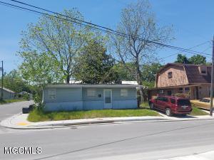 516 Austin St, Biloxi, MS 39530
