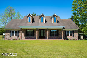 18526 Pine Forrest Rd, Gulfport, MS 39503