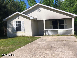 6100 Perry St, Bay St. Louis, MS 39520