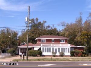 2786 Pass Rd, Biloxi, MS 39531