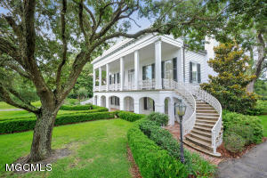 829 Scenic Dr, Pass Christian, MS 39571