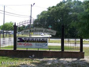 38 Pass Rd, Gulfport, MS 39507