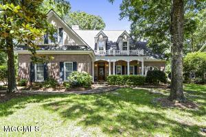 40 Old Oak Ln, Gulfport, MS 39503