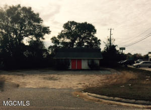 15335 Community Rd, Gulfport, MS 39503