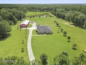21200 State Line Rd, Moss Point, MS 39562