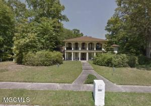 104 Blue Heron Blvd, Ocean Springs, MS 39564