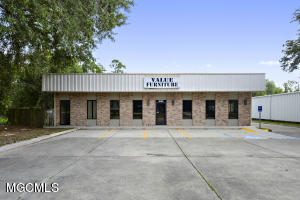 1832 Pass Rd, Gulfport, MS 39507