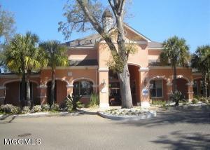 2252 Beach Dr Dr, Gulfport, MS 39507