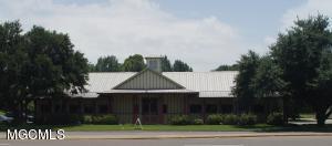 1108 Bienville Blvd, Ocean Springs, MS 39564