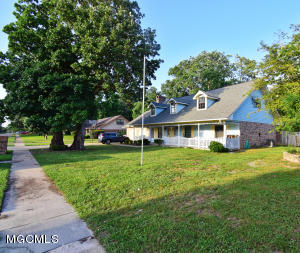 810 Ford St, Gulfport, MS 39507