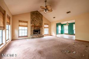 13081 Snug Harbor Rd, Biloxi, MS 39532