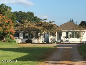 126 W Scenic Dr Pass Christian MS 39571