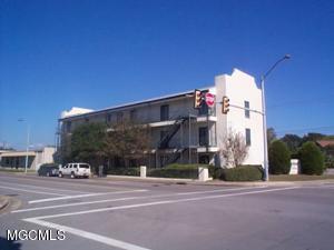 178 Main St, Biloxi, MS 39530