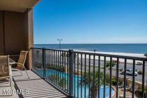 1200 Beach Dr Dr, Gulfport, MS 39507