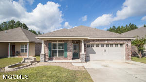 17127 Palm Ridge Dr, D'Iberville, MS 39540