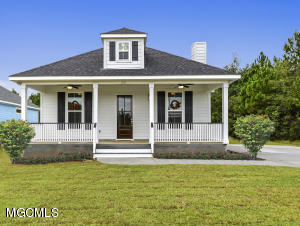215 White Harbor Rd, Long Beach, MS 39560
