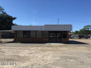 705 Pass Rd, Gulfport, MS 39501
