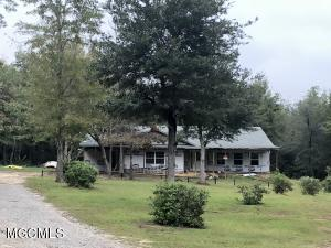 26280 Elm Rd, Pass Christian, MS 39571