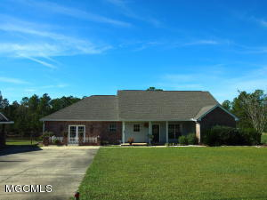 16197 Sweet Carolyn Dr, Biloxi, MS 39532