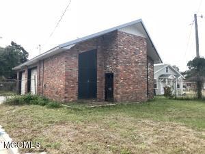487 Division St, Biloxi, MS 39530