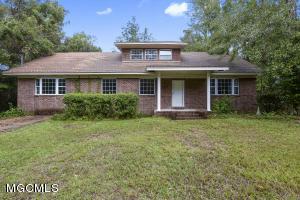 2549 Davidson Rd, Ocean Springs, MS 39564