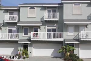 716 W Beach Blvd Long Beach MS 39560