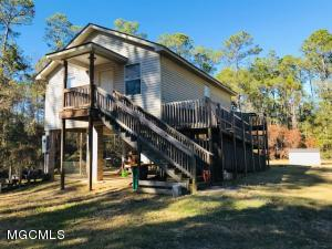 4107 Ruth Dr, Pass Christian, MS 39571
