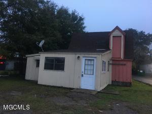 1210 Railroad St, Gulfport, MS 39501