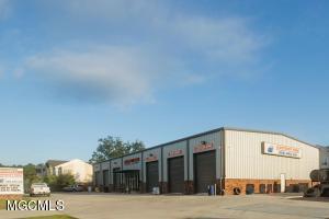 14056 Big Ridge Rd, Biloxi, MS 39532