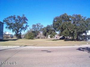 376 Howard Ave, Biloxi, MS 39530
