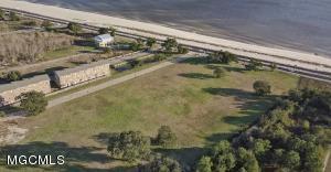 2012 W 2nd St Long Beach MS 39560