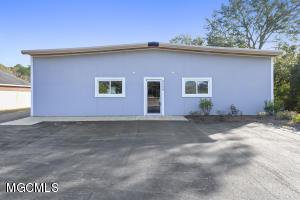 4204 Bienville Blvd Ocean Springs MS 39564