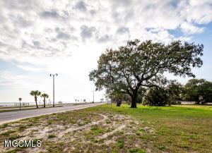30 E Beach Blvd Gulfport MS 39507