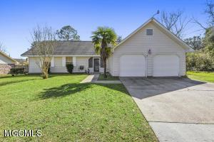 15353 Woody Dr Gulfport MS 39503