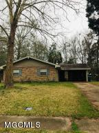 Investment opportunity! Home being sold as is where is! Close to east beach, tennis courts and National Park. Lovely neighborhood with sidewalks, perfect for a family! Come and make this home your own!Buyer and Buyers agent to verify all info.