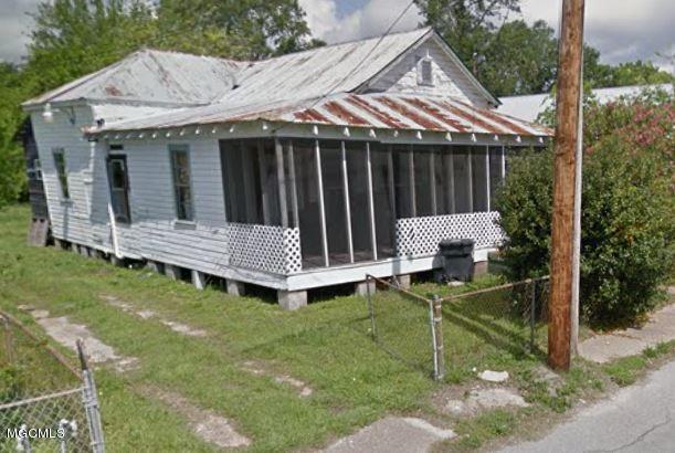 231 Nixon St Biloxi MS 39530