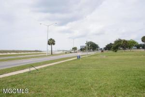 1604 Beach Blvd Biloxi MS 39531