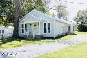410 Main St Bay St. Louis MS 39520