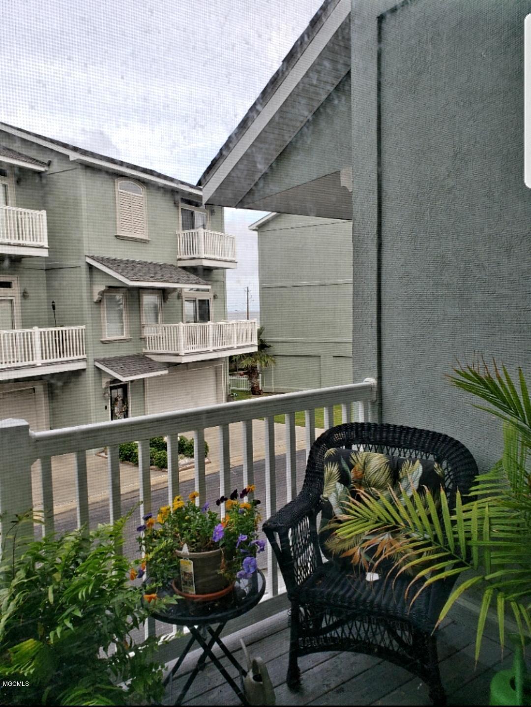 723 W Beach Blvd Unit: 723 Long Beach MS 39560