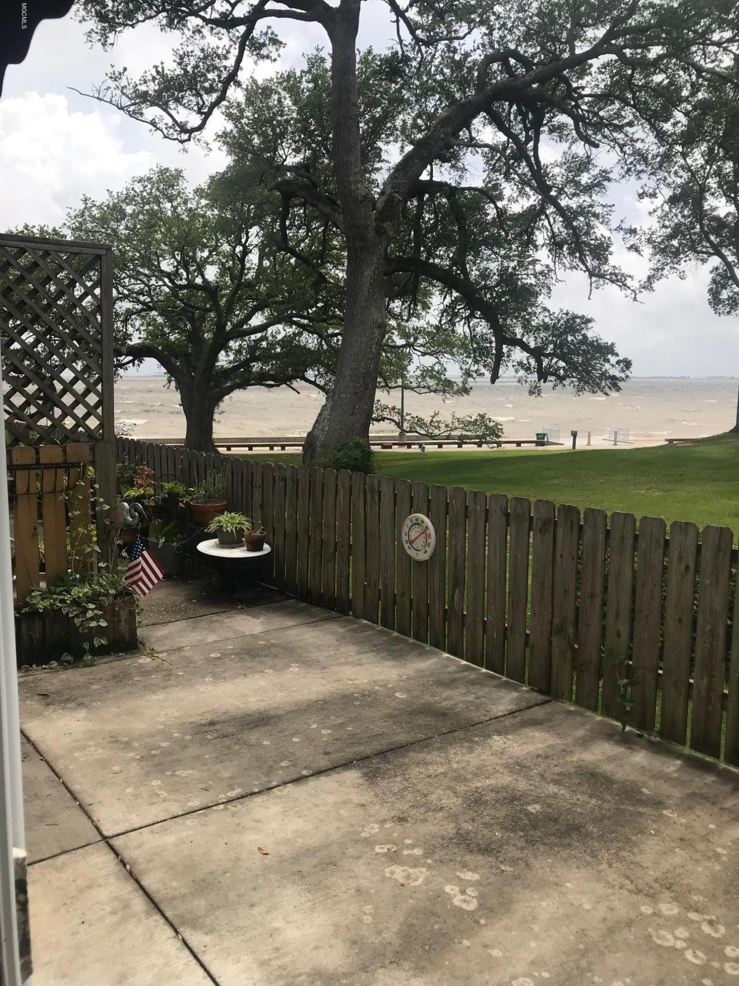 527 Front Beach Dr Unit: 5 Ocean Springs MS 39564