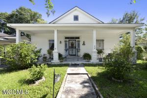 111 Carroll Ave Bay St. Louis MS 39520