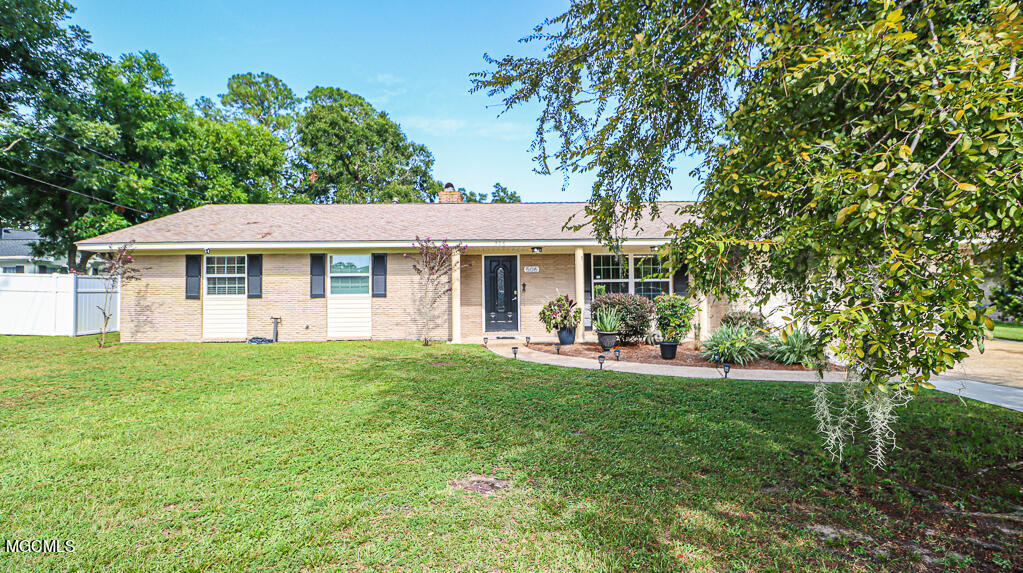506 Loposser Ave, Gulfport, MS 39507