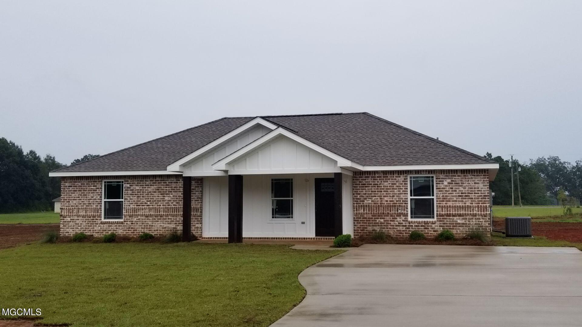 New construction home in great location! 3 bedroom 2 bath home to be completed first week of October.  Open floor plan with vinyl plank flooring throughout, granite countertops and stainless steel appliances.