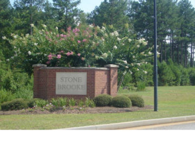 109 Stone Brooke Court, Gray, GA 31032